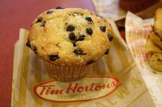 Tim Horton's muffin Tim Horton's Chocolate Chip muffin Muffin Recipes, Baking Recipes, Breakfast Recipes, Bread Recipes, Chocolate Chip Muffins, Chocolate Chip Recipes, Fast Casual Restaurant, Tim Hortons, Restaurant Recipes