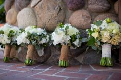 burlap wraps & flowers