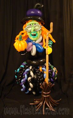 Gritch the witch balloon art.  Made purely out of balloons for a Halloween event by balloon sculptor Phileas Flash