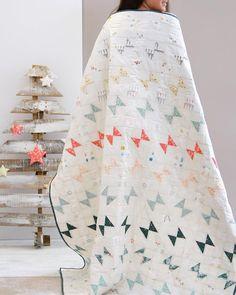 bow tie quilt. minimalist quilt.