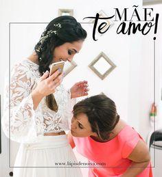 O Mês de Maio é super especial por alguns motivos! Nós comemoramos o dia da mulher mais incrível das nossas vidas: nossas  mães!  E é o mês de realizar sonhos, mês das noivas! ❤️ Esse final de semana estaremos em clima de muito amor na nossa família e no nosso blog!  Gratidão por ser eternamente noiva e mãe! {Foto linda da @naneferreirafotografia}  #amolapisdenoiva #mae #felizdiadasmaes #maedanoiva #fornecedorlapisdenoiva #gentequeamaoquefaz