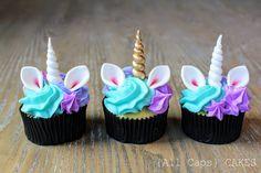 33 New Ideas for birthday girl unicorn cupcake toppers Unicorn Birthday Parties, Unicorn Party, Girl Birthday, Baking Cupcakes, Cupcake Cakes, Cupcakes Lindos, Unicorn Cupcakes Toppers, Cupcakes Decorados, Unicorn Foods