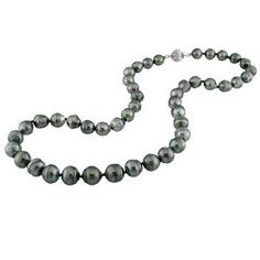 there is just something sexy and mysterious about black pearls