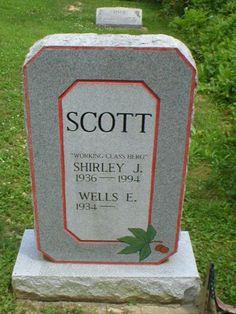 Buckeye fan Pine Grove Cemetery Lancaster, Ohio