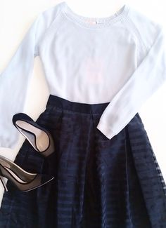 Fridays call for elegance... Perfect to dress up in a comfy way