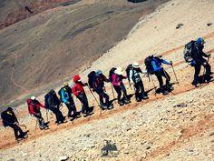 """Trekking ao Aconcágua - Venha que ainda da tempo! Foto de Ashok Kipatri  Data 1  09/01/2016 a 17/01/2016  Data 2  14/02/2016 a 22/02/2016 """"O trekking é uma atividade do turismo de aventura queconsiste em uma caminhada por ambientes naturais a prática de percorrer áreas selvagens ou trilhas a pé com percursos longos e de vários graus de dificuldades. Normalmente o termo hiking refere-se a caminhadas mais leves que o trekking. A palavra trek tem sua origem na língua africâner. Ela passou a…"""