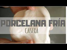 Aprende a elaborar pasta de porcelana fría casera de la forma más fácil y sencilla. Una pasata para modelar que además puedes hacer con los más pequeños ! Paper Clay, Cold Porcelain, Clay Crafts, Handicraft, Flexibility, Sculpting, Decoupage, Youtube, Cold