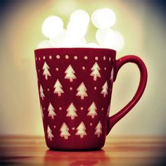 people be asking santa for boyfriends or girlfriends for Christmas and im here like hot coco in a mug is fine!