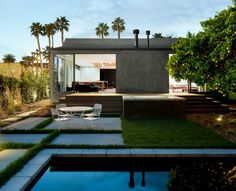 Los Angeles-based Walker Workshop Design Build remodeled this 1916 Hollywood bungalow for a modernism-loving bachelor. Indoor Outdoor Living, Outdoor Pool, Outdoor Spaces, Architecture Details, Landscape Architecture, Mid Century Exterior, Workshop Design, Bungalows, Building Design