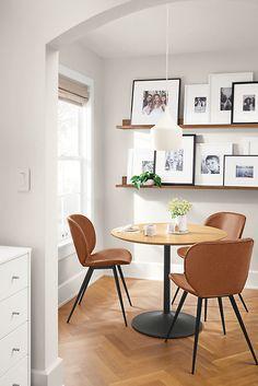 Dining Room Wall Decor, Dining Room Design, Dining Room Shelves, Dining Room Office, Dining Room Picture Wall, Modern Kitchen Wall Decor, Diningroom Decor, Kitchen Ideas, Modern Room