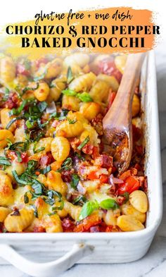 Red pepper, tomato and onion roasted and then mixed together with diced chorizo pieces, pillow-y potato gnocchi and topped with … Easy Weeknight Dinners, Easy Meals, Healthy Dinners, Chorizo Recipes, Veggie Gnocchi Recipes, Chicken Recipes, Baked Gnocchi, Cooking Recipes, Healthy Recipes