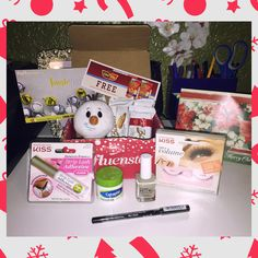 The awesome #jinglevoxbox. I received these goodies complimentary for testing purposes from @influenster #cheerphil #ittybittys #PureIce #KISSLashes #cityproofnyc #OreIdaTotchos #MyBiscoffBreak