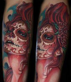 Tatouage Bras Crâne Mexicain par Tattoo by Roman