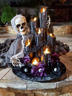 Halloween Decorations To Make, Quick Halloween Crafts, Halloween Room Decor, Halloween Centerpieces, Table Centerpieces, Halloween Pumpkins, Fall Halloween, Halloween Ideas, Happy Halloween