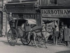 STOCKPORT: Middle Hillgate Old Pictures, Old Photos, Vintage Photos, Stockport Uk, Transportation, Middle, Horses, History, Animals