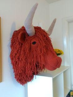 Highland cow crochet faux taxidermy trophy head Crochet Cow, Crochet Elephant, Crochet Animals, Crochet Dolls, Crochet Taxidermy, Faux Taxidermy, Animal Head Decor, Animal Heads, Cow Pattern