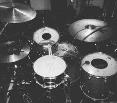 #hoy  #recording  #drumporn  @zildjiancompany  @remopercussion  #stc #seminariodedrumdoctor  Estudio el Attic #folie #stc #drumdoctor #ringnomore  #music by sebastiantanocavalletti