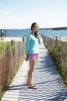 Sandy Toes + Krass & Co shorts. #preppysummeroutfit. Head over to The Coral Seahorse for my 20% off code!