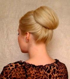 The tutorial: The smooth chignon.