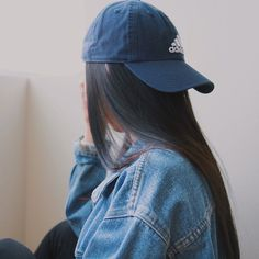 Adidas Baseball Cap with Denim jacket - http://ninjacosmico.com/18-must-have-grunge-accessories-clothing/10/
