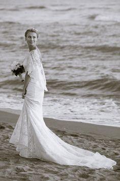 La costa Toscana, con i suoi colori e atmosfere vive in ogni stagione, è divenuta una meta ambita e ricercata per organizzare le proprie nozze.