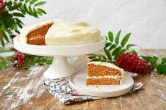 Gulrotkake i to lag - Baking for alle Panna Cotta, Baking, Cake, Ethnic Recipes, Food, Dulce De Leche, Bakken, Mudpie, Meals