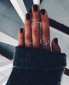 Super Trendy Winter Nails And How To Do Them - Beauty: Winter Nails & Winter Nail Colors Pastel Nails, Acrylic Nails, Cute Nails, Pretty Nails, Hair And Nails, My Nails, Dark Nails, Make Up Geek, Nail Ring