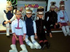 E, claro, todas as bonecas de apresentadoras — algumas envolvidas em lendas urbanas, como a Xuxa.   30 bonecas que estavam guardadas lá no fundo da sua memória