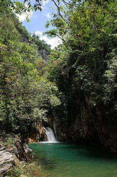 Caburni Falls in Topes de Collantes Reserve, Cuba (by inzi75).