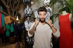 A Havaianas armou hypada festa para apresentar a sua coleção completa de Verão 2017, na Concept Store da Oscar Freire, com presença do ator Bruno Gagliasso. Confira a galeria de vips na www.flashesefatos.com.br