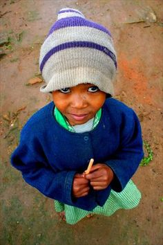 Small girl in Fianarantsoa - Free African Photos - Pictures from Africa