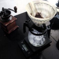 V60 over ice . . . vscocam #hario #vsco #thirdwave #blackcoffee #coldbrew #coffeeaddict #coffeeprops #v60 #pourover #alternativebrewing #coffeeshots #manmakecoffee #filtercoffee http://ift.tt/20b7VYo
