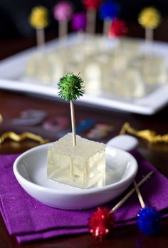 Фото к рецепту: Желе-шоты из шампанского