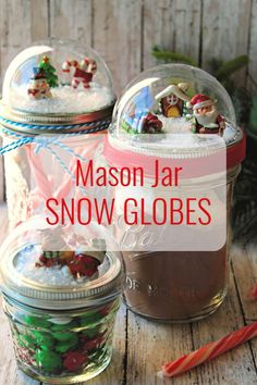 DIY Mason Jar Snow Globes Tutorial is part of Upcycled Crafts Christmas Mom - These Mason Jar Snow Globes are SO cute! They're simple and inexpensive to make and they make an adorable gift! Diy Snow Globe, Christmas Snow Globes, Christmas Crafts, Christmas Ideas, Christmas Jars, Christmas Parties, Retro Christmas, Mason Jars, Mason Jar Gifts