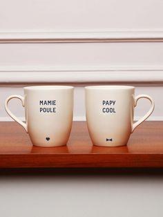 Le mug Mamie Poule EMOI EMOI - Photo Plus Diy Cadeau Noel, Diy Photo, Mug Cup, Diy Gifts, Tea Time, Ceramics, Cool Stuff, Tableware, Crafts
