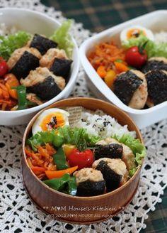 お弁当 : ** mana's Kitchen ** Japanese Lunch Box, Japanese Food, Bento Box Lunch, Breakfast Lunch Dinner, Lunch Time, Lunch Ideas, Fruit Salad, Soups, Cakes