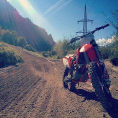 Great bike on a wicked track! #Ktm #350sxf #motocross @xbowlarena « 350Sxf « DERESTRICTED