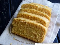 Mealie Bread - delicious bread made with fresh corn. Braai Recipes, Cooking Recipes, South African Recipes, Indian Food Recipes, Typical Dutch Food, How To Make Bread, Quick Bread, Dutch Recipes, Bread And Pastries