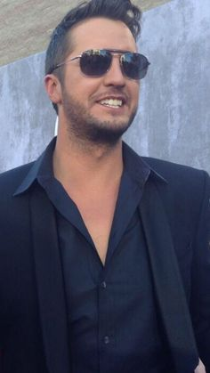 Luke Bryan Funny, Luke Bryan Quotes, Best Country Singers, Country Music Artists, Luke Bryan Pictures, Brad Paisley, Country Men, Bae, Celebrity Pictures