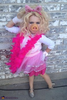Miss Piggy - Halloween Costume Contest via @costumeworks