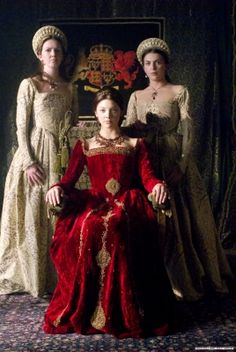 Natalie Dormer as Anne Boleyn in The Tudors. I love the Marquess of Pembroke gown.