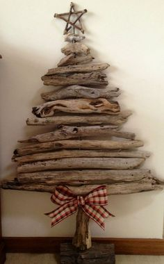 Last Trending Get all driftwood christmas decorations Viral f c f f c d b dbb a c Driftwood Christmas Decorations, Driftwood Christmas Tree, Pallet Christmas Tree, Beach Christmas, Rustic Christmas, Xmas Decorations, Christmas Tree Ornaments, Christmas Wreaths, Christmas Crafts