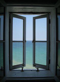 Window to the ocean