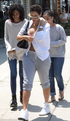 Nicole Murphy was joined by her two youngest daughters by ex husband Eddie Murphy, Zola, 15, & Bella, 13