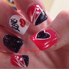 Black and red acrylic nails ❤️❤️