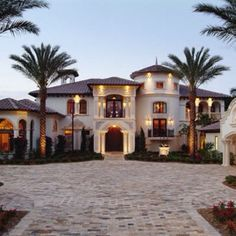 Dream House Luxury Home in an Elegant and Exclusive Design Line. - Dream House Luxury Home in an Elegant and Exclusive Design Line. For more ideas and - Spanish Style Homes, Spanish House, Spanish Mansion, Dream Mansion, Big Houses, House Goals, My Dream Home, Future House, Beautiful Homes