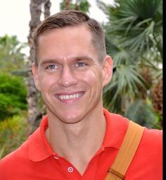 Johan Kenkhuis (born 7 May 1980 in Vriezenveen, Overijssel) is an Olympic medal winning Dutch swimmer. - Read more: http://en.wikipedia.org/wiki/Johan_Kenkhuis