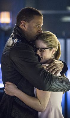 Arrow 3x21 - John Diggle & Felicity Smoak