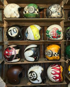 A few very cool helmets by at 🤘 Le Cafe Racer … Alcuni fantastici caschi di @ a @ 🤘 Le Cafe Racer Riding Gear Ltd. Bobber Helmets, Retro Motorcycle Helmets, Retro Helmet, Vintage Helmet, Motorcycle Garage, Women Motorcycle, Motorcycle Wear, Cool Motorcycles, Vintage Motorcycles
