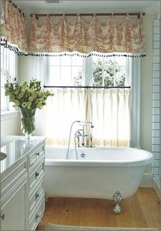 Cafe+Curtains+for+Bathroom | Bathroom Window Treatment Ideas for Bathrooms | Blindsgalore